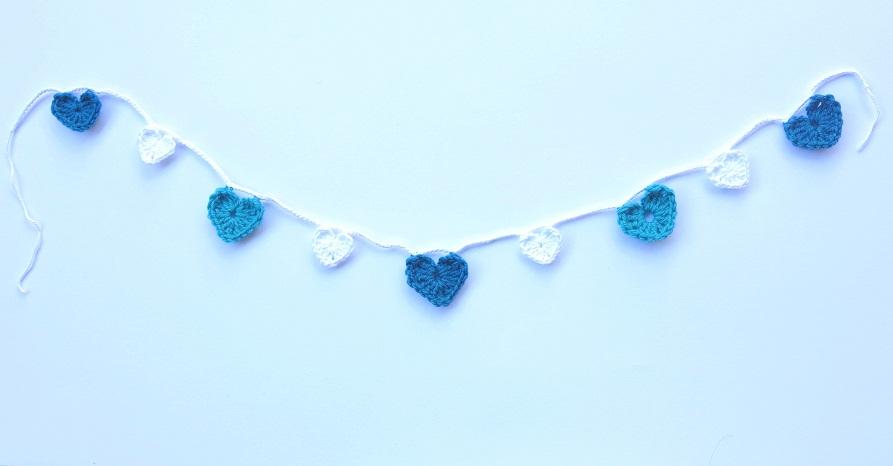 teal & aqua heart garland